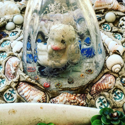 gnome under glass